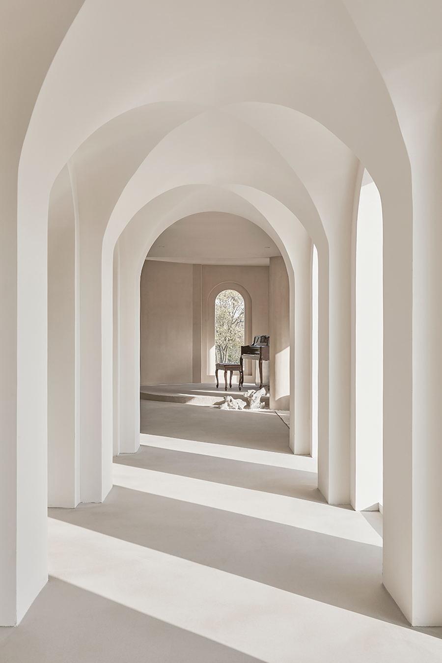摄影空间拱形元素走廊设计
