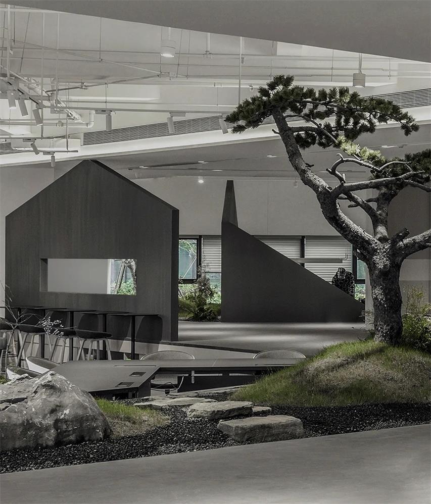 共享办公空间内的隔断墙体设计