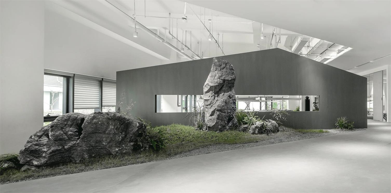 共享办公巨石景观设计