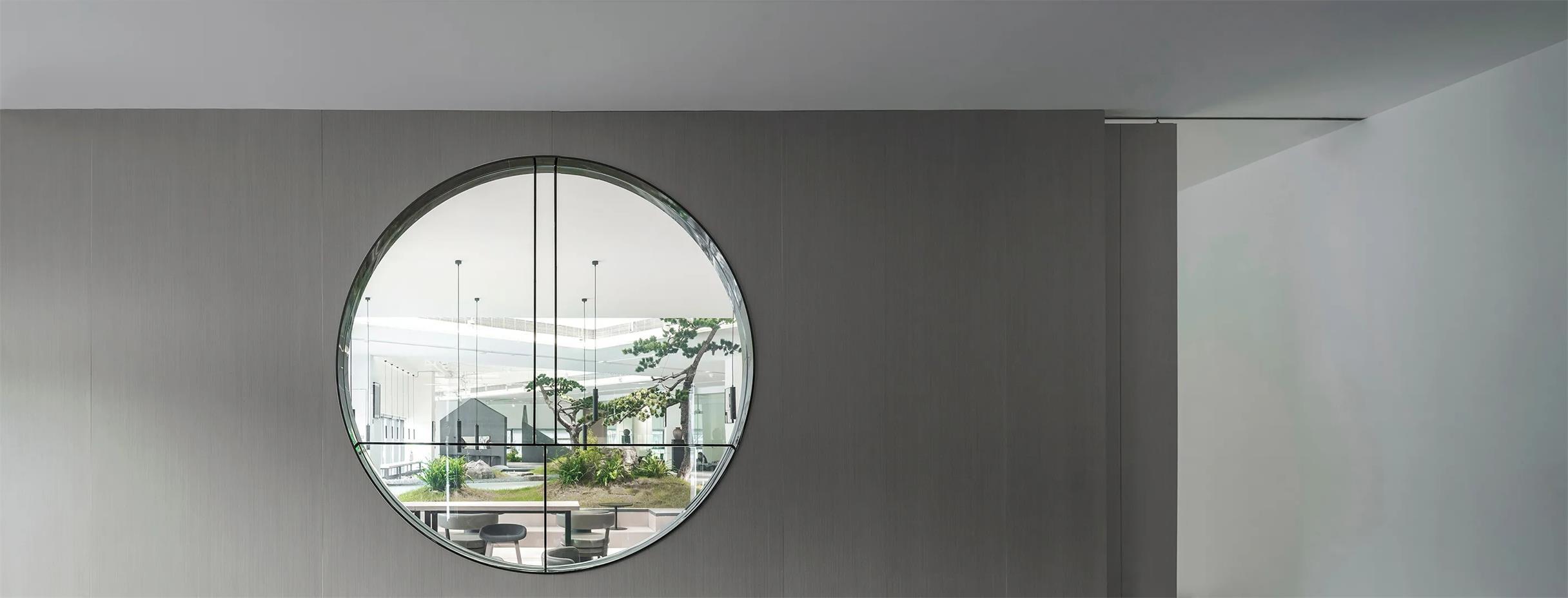 共享办公圆形窗口设计特写