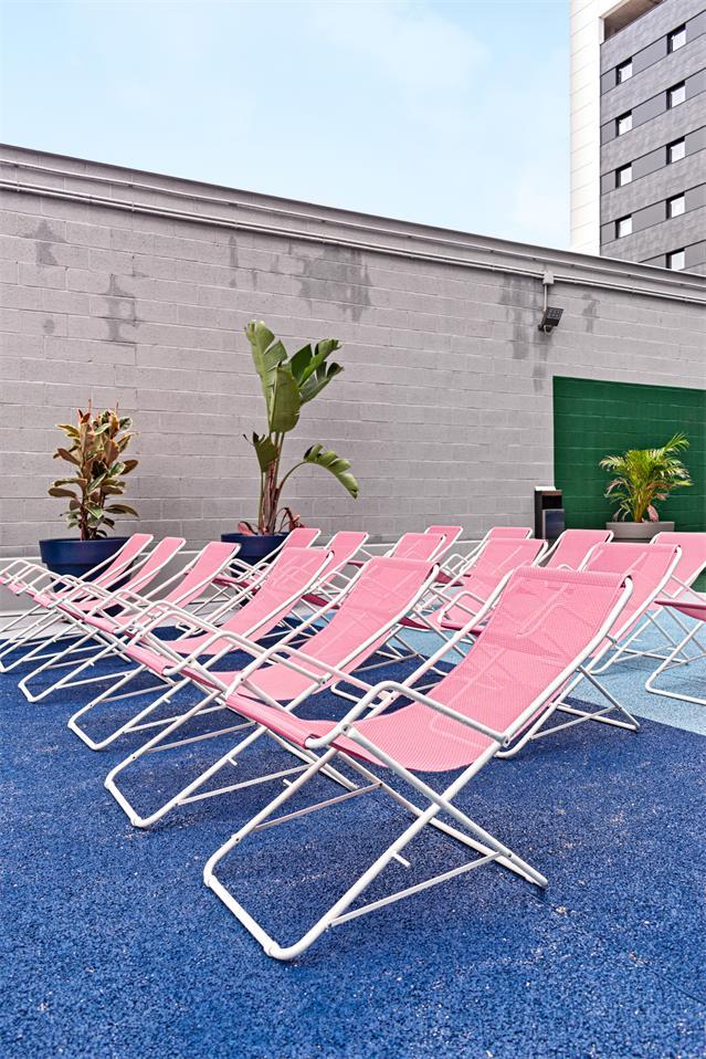 学生公寓户外平台休闲椅设计