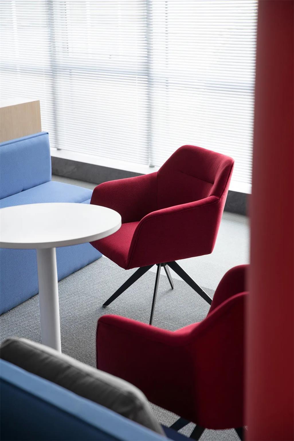 办公室休闲红椅设计