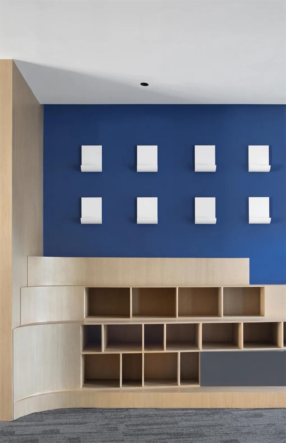 办公室展示区落地柜设计