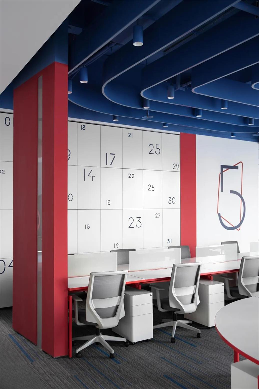 办公室办公卡位及员工存储柜设计