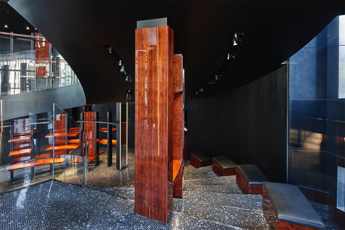 奢侈品店楼梯设计