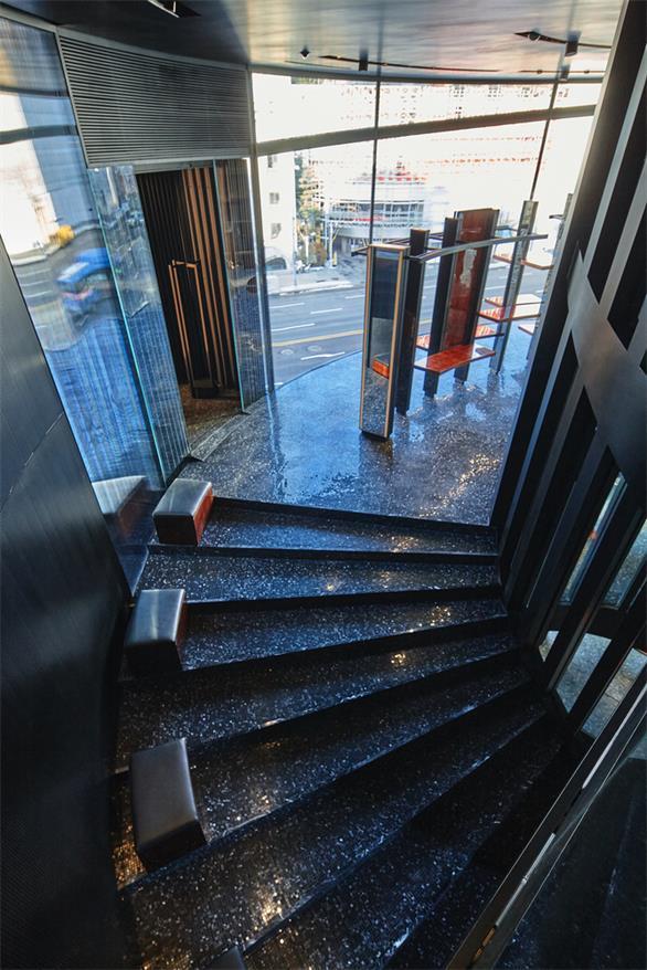 奢侈品店楼梯设计特写
