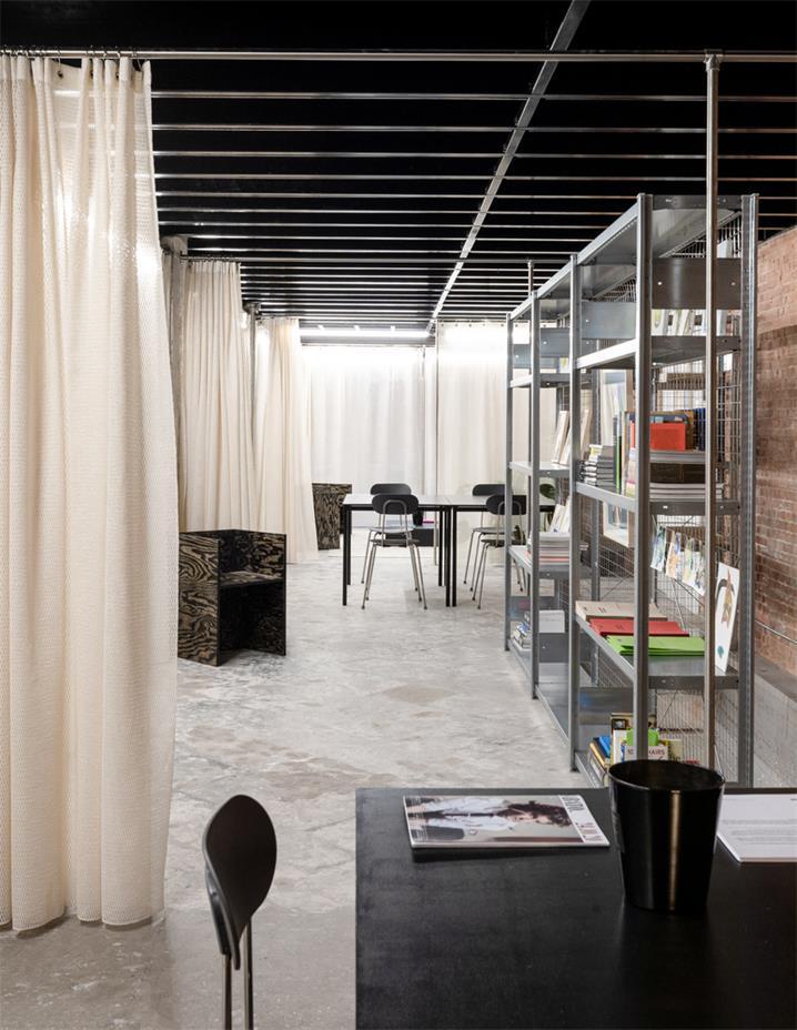 展厅办公桌及金属架设计