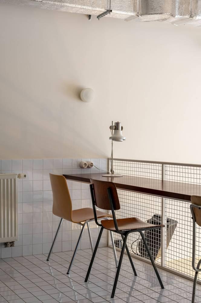 餐吧二层咖啡吧台设计