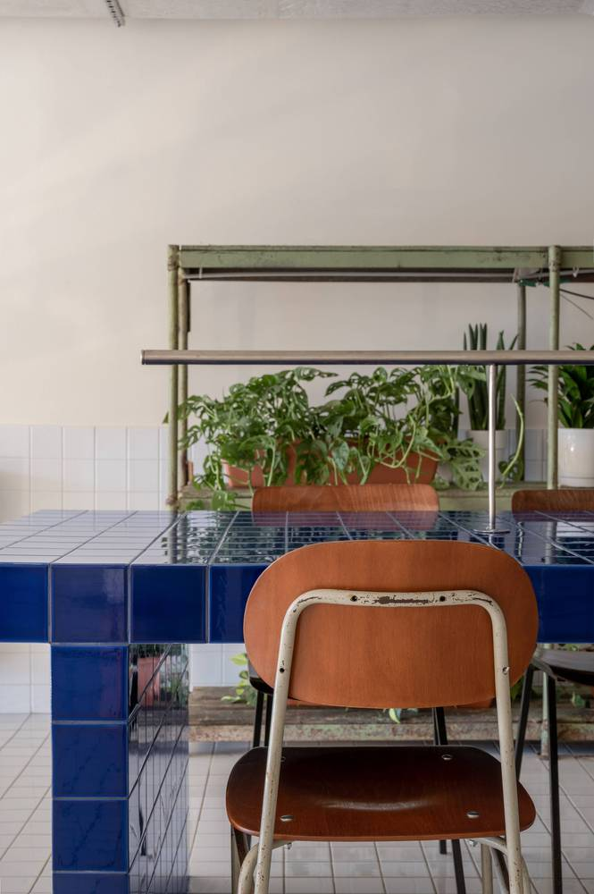 餐吧二层复古家具设计