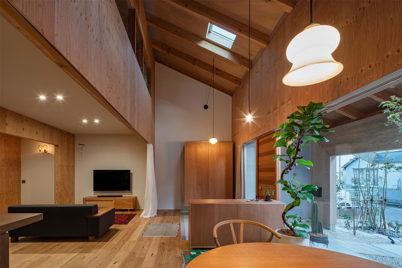 住宅一层灯光氛围设计