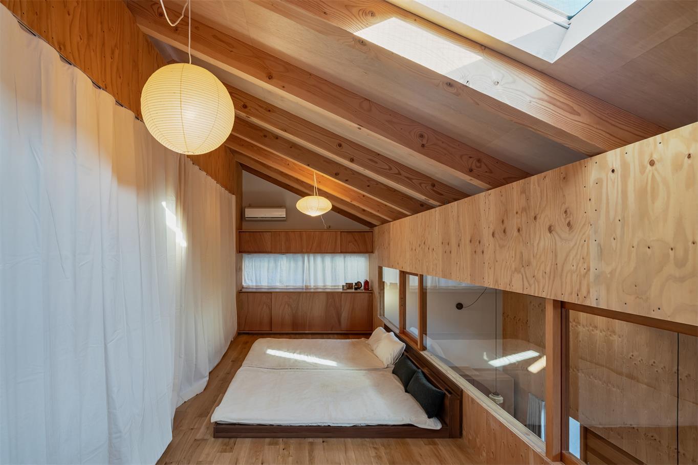 住宅二层可开可合的卧室设计