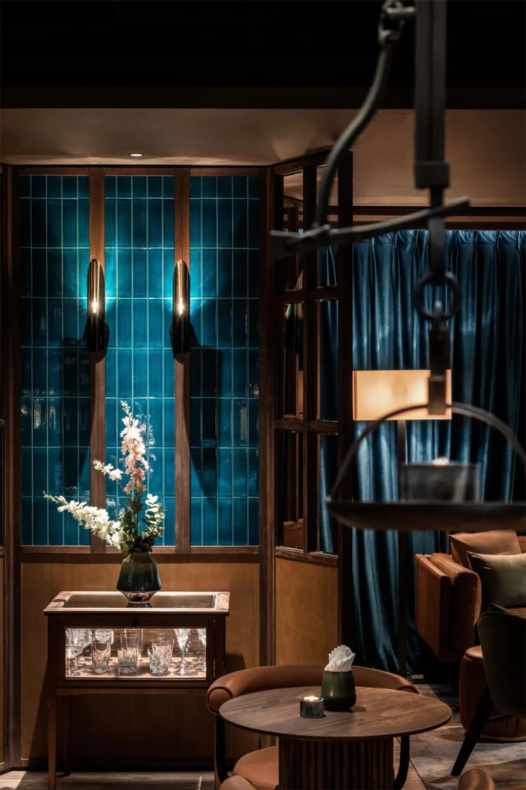 威士忌酒吧壁灯及家具设计