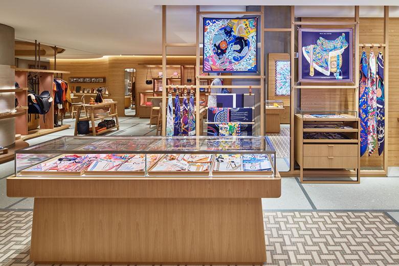 奢侈品店丝巾展示区设计