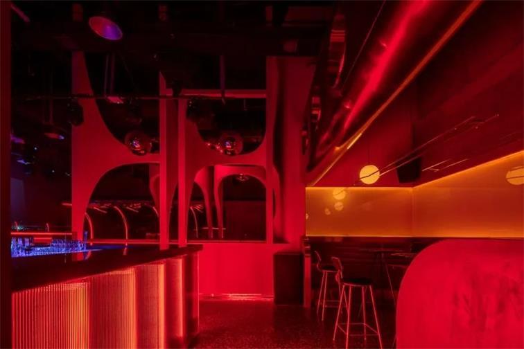 酒吧通道设计