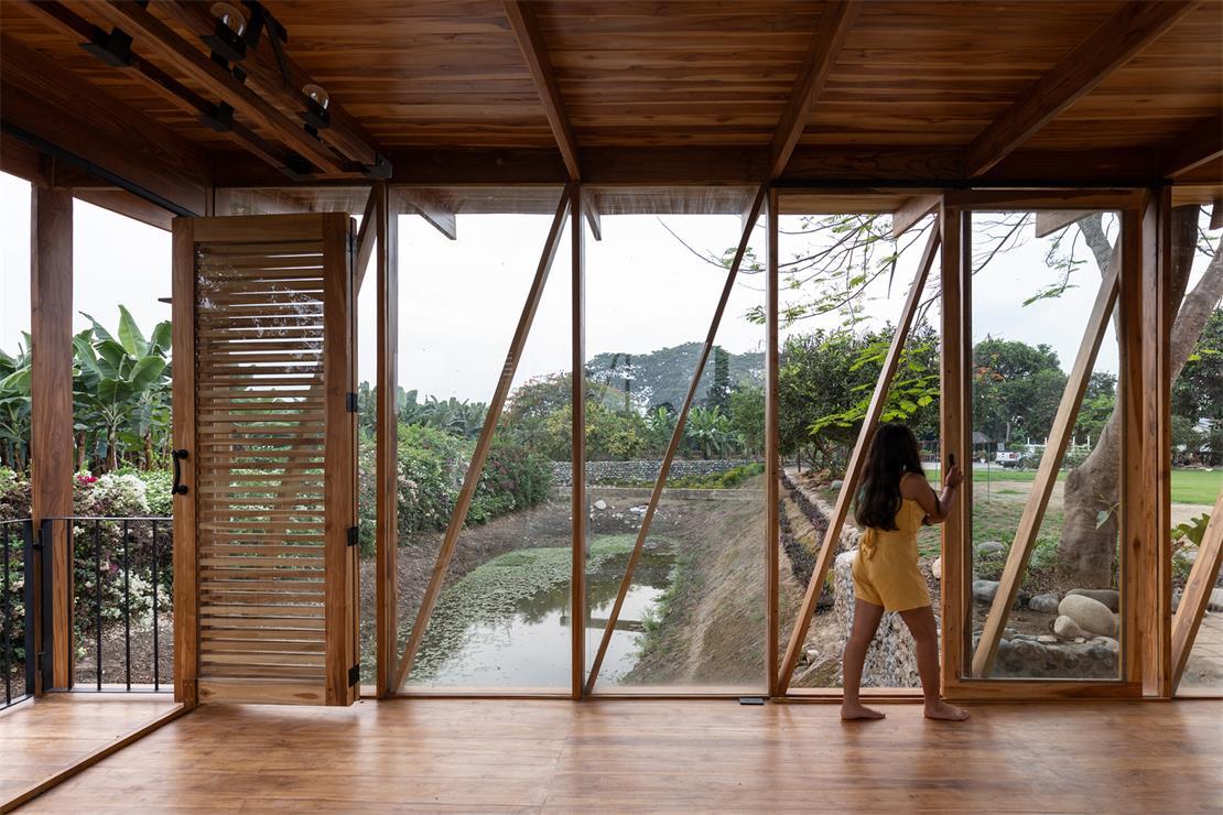 茶室侧面木质造型设计