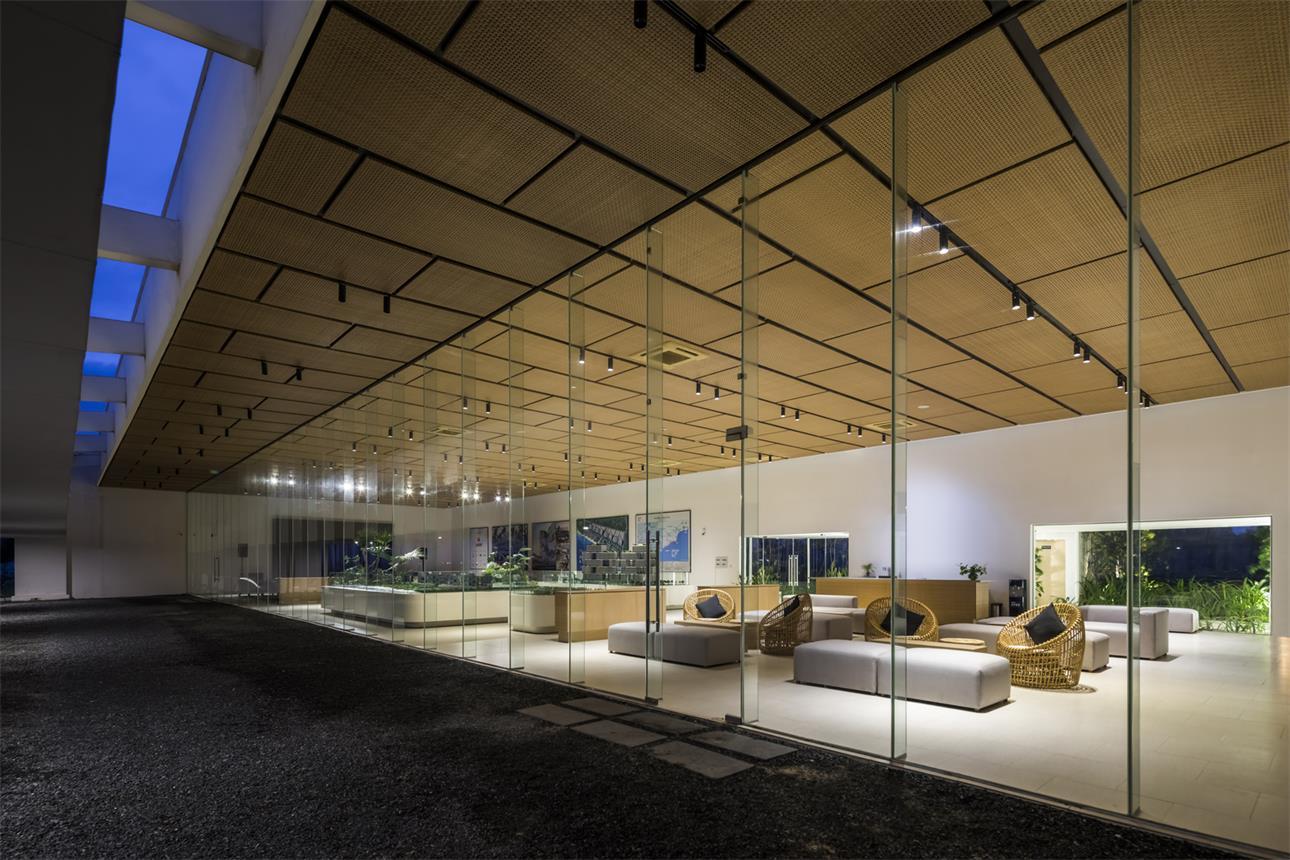 """售楼处通透的玻璃隔断设计夜景"""""""""""