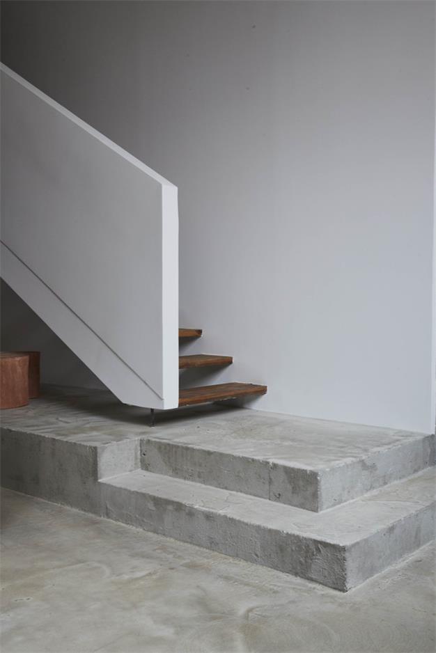 摄影工作室楼梯踏步设计特写