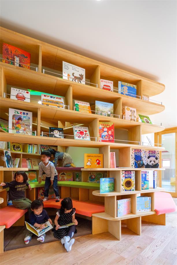 幼儿园书柜设计