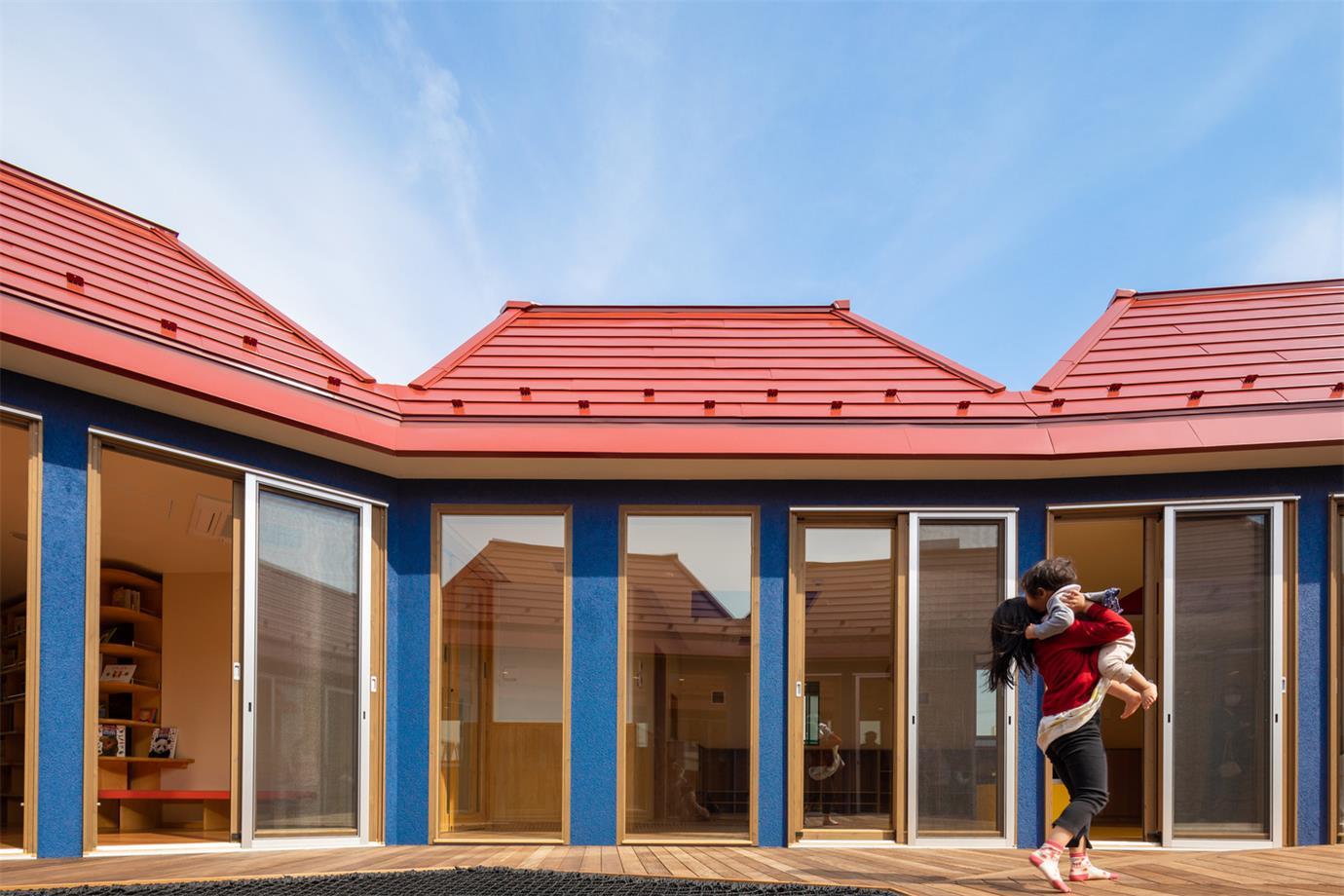 幼儿园玻璃门设计