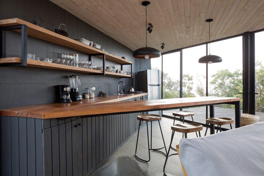 度假屋厨房吧台设计