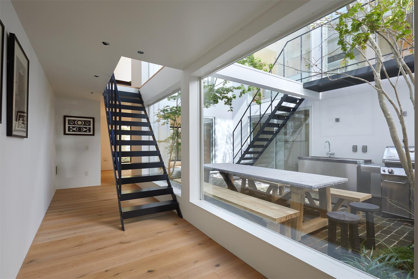 别墅室内过道与庭院的连接设计