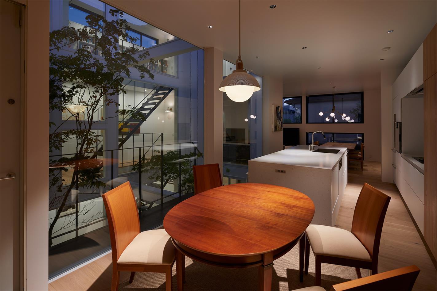 别墅厨房灯光氛围设计