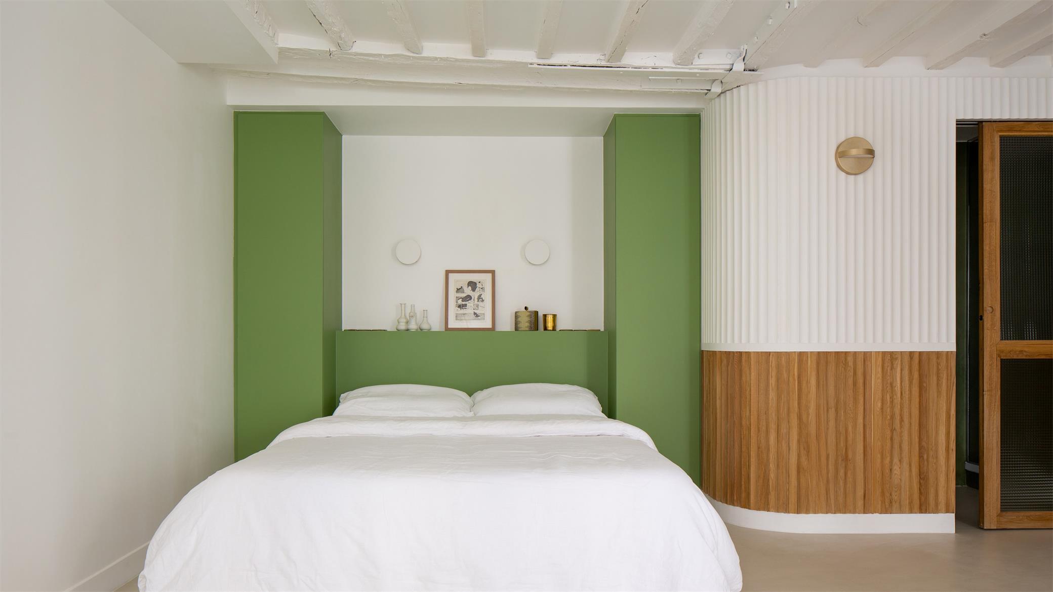 小型公寓卧室背景墙设计