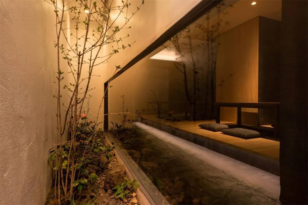 居酒屋庭院花园设计